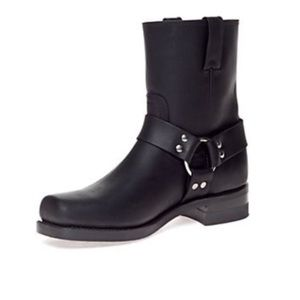 FRYE BLACK LEATHER HARNESS GUACHO BOOTS